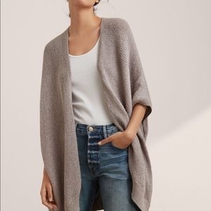 Aritzia Community Iconic Cape XS/S Grey